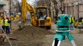 img-surveyorcameraroadconstructionshutterstock_083612318171.jpg_item_large